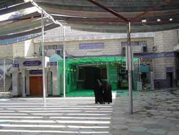 9baratha_mosque2.jpg